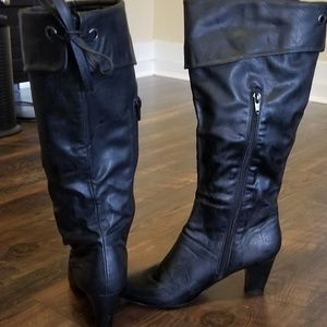Ladies High Heeled Zip-up Boot